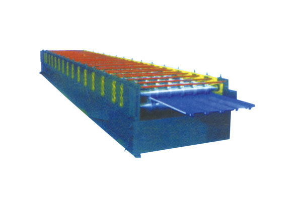 Colour steel roofing forming machine